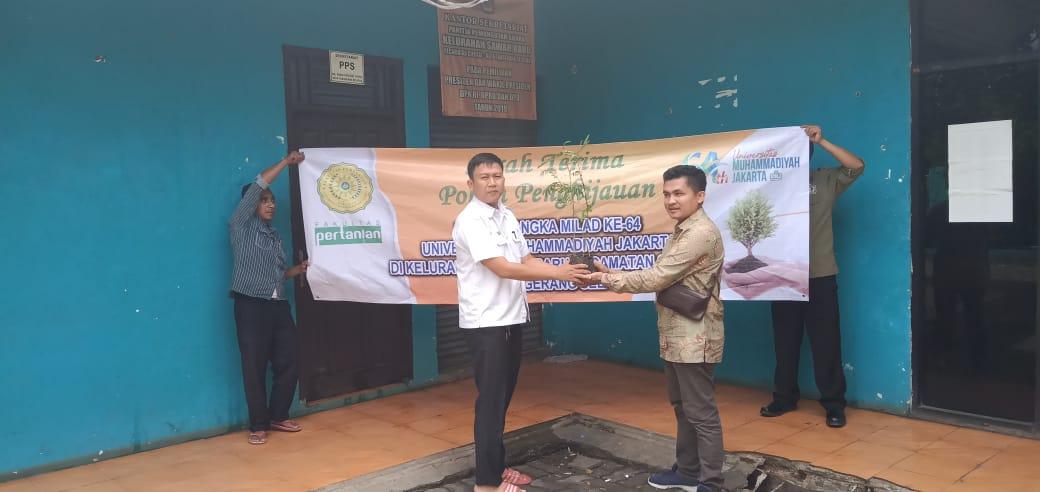 Serah Terima Pohon Penghijauan dalam Rangka MILAD ke-64 UMJ, kawasan Ciputat, Tangerang Selatan